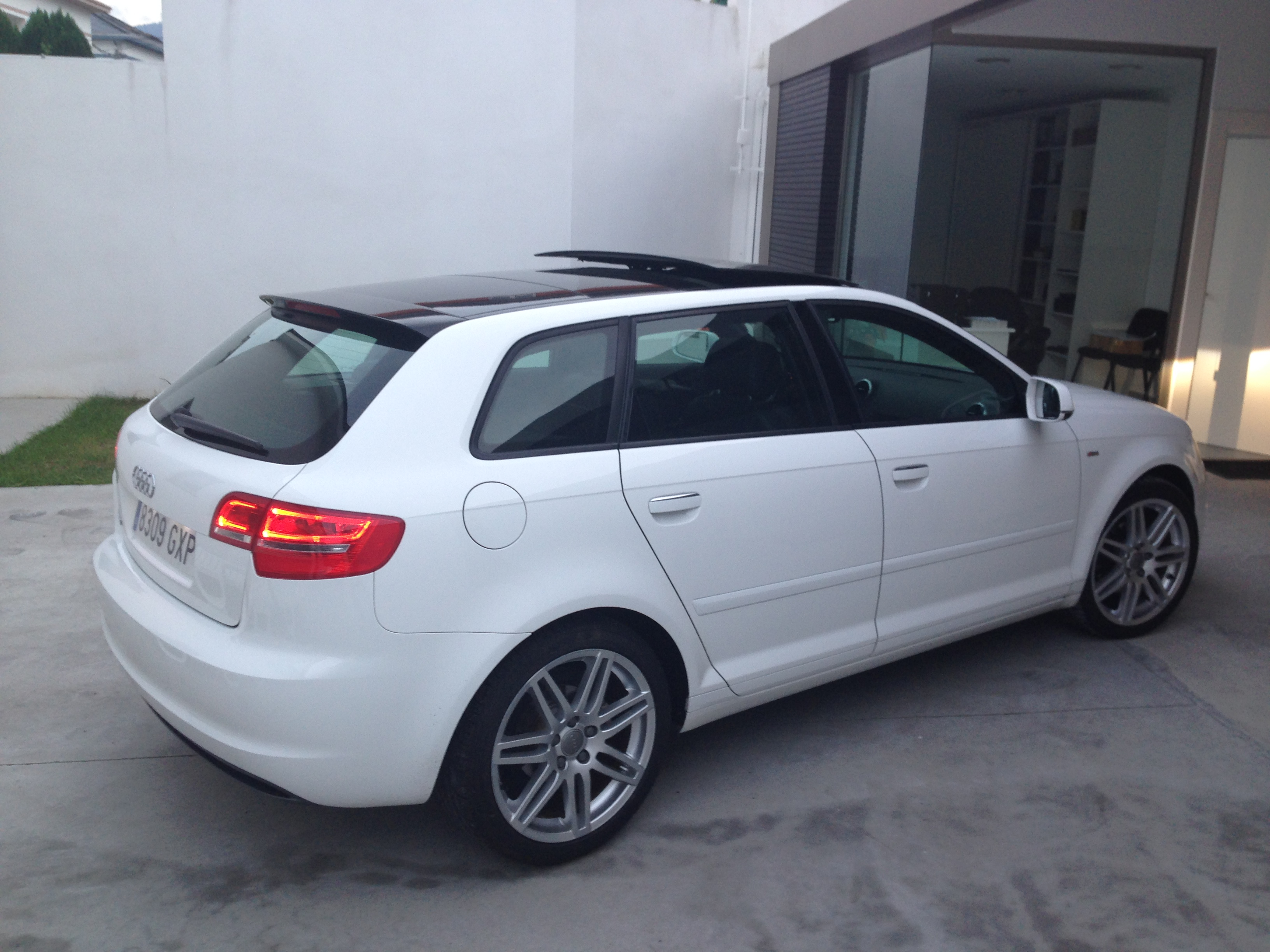 audi a3 sportback 2 0 tdi 140cv s line vsauto. Black Bedroom Furniture Sets. Home Design Ideas